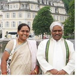 Dr. Raju mit seiner Fraurau