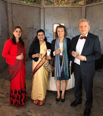 General-Konsulin, Dr.Karin Pirc, Lothar Pirc